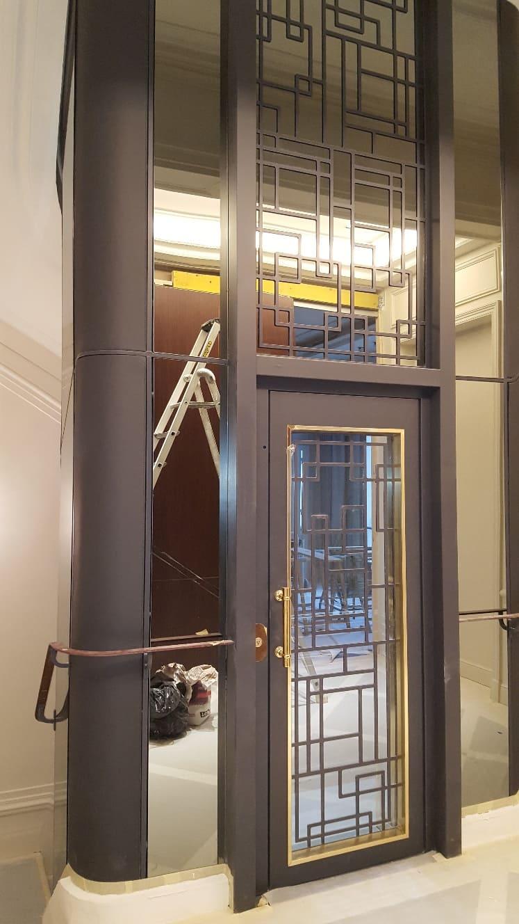 Technicien de maintenance chez Drieux-Combaluzier, l'excellence au service des utilisateurs d'ascenseur