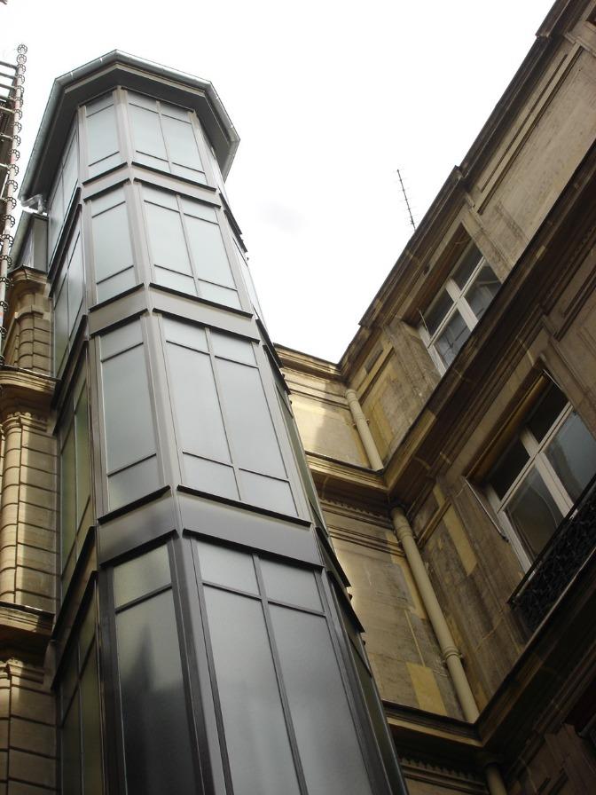 Construire un ascenseur extérieur, un défi raconté par Luis Goncalves