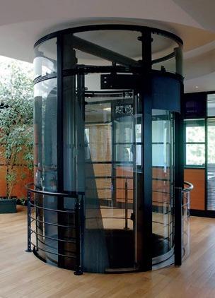 Un ascenseur panoramique… pivotant !