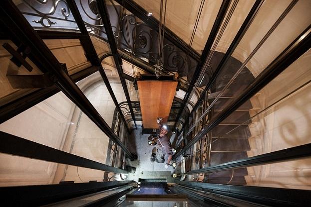 Législation ascenseur : quels sont les dispositifs de sécurité obligatoires ?