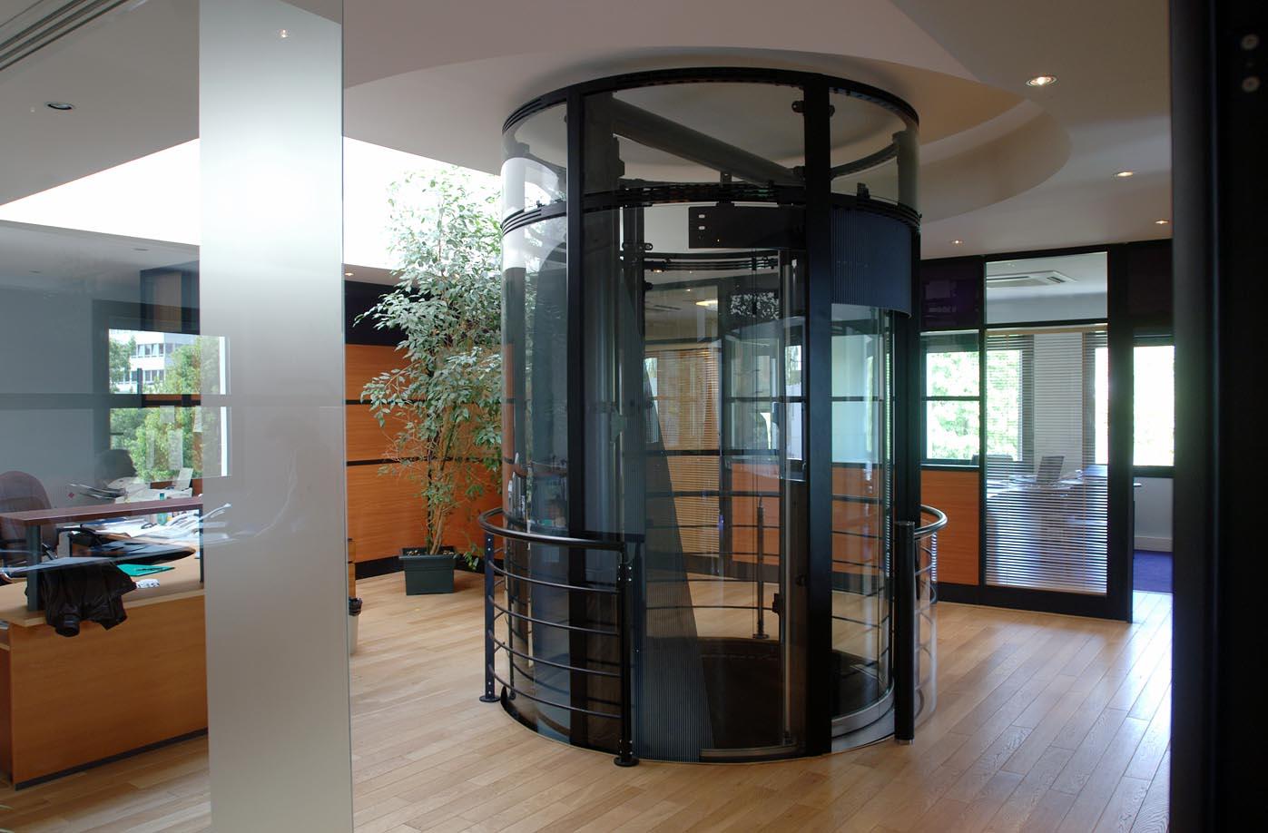 Syndics et administrateurs de biens : que faire lorsqu'une panne d'ascenseur vous est signalée ?